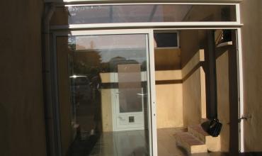 30100 - ALES - Fermeture de terrasse , véranda entre deux maisons, Alu sur mesure