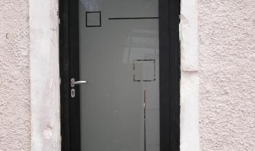 MOUSSAC - 30190 - Pose de portes d'entrée Aluminium sur mesure
