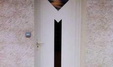 SAINT GENIES DE MALGOIRES - 30360 - Pose d'une porte d'entrée PVC vitrée sur mesure en rénovation