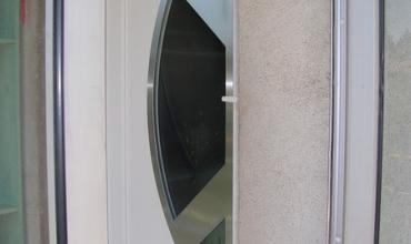 SAINT GENIES DE MALGOIRES - 30190 - Pose d'une porte d'entrée aluminium sur mesure