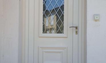 ALES - 30100 - Pose d'une porte d'entrée PVC vitrée sur mesure en rénovation