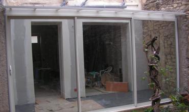 POULX - 30320 - Installation d'une véranda Alu sur mesure avec toiture