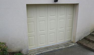 ALES - 30100 - Pose d'une porte de garage coulissante sur mesure et motorisée