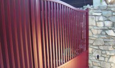 BRIGNON - 30190 - Pose d'un portail aluminium motorisé Somfy