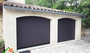 PORTE GARAGE ENROULABLE RAL 7016 - CRUVIERS LASCOURS