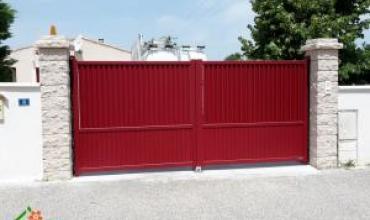 BOUCOIRAN - 30190 - Pose d'un portail Alu motorisé